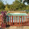 Barrière piscine bois pin couleur acajou